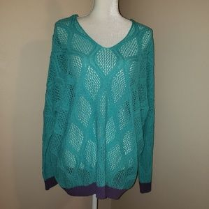 Ya Los Angeles  Sweater  Size Large. NWT